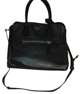 Prada Tote in black (Nero)
