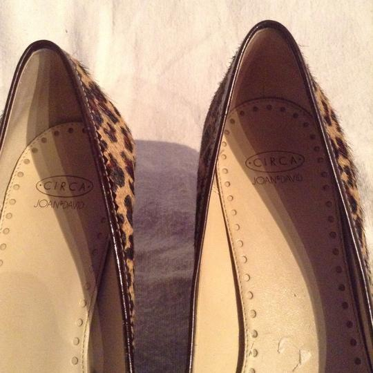 Joan & David Black/Brown spots with beige backround. Pumps