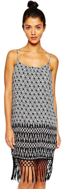 Preload https://item1.tradesy.com/images/black-and-white-printed-festival-with-fringe-hem-mid-length-short-casual-dress-size-2-xs-20822930-0-1.jpg?width=400&height=650