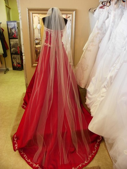 Preload https://item3.tradesy.com/images/ivory-long-cathedral-120-bridal-veil-20822987-0-0.jpg?width=440&height=440