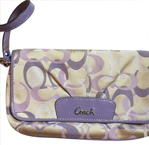 Coach Wristlet in purple