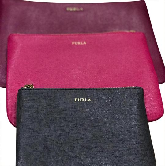 Preload https://img-static.tradesy.com/item/20823023/furla-royal-envelope-set-fusciahot-pinkcharcoal-grey-saffiano-leather-wristlet-0-1-540-540.jpg