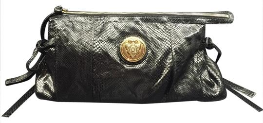 Preload https://img-static.tradesy.com/item/20823277/gucci-hysteria-genuine-python-black-clutch-0-1-540-540.jpg