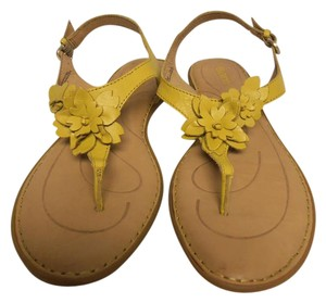 Børn New With Tag Born bright yellow Sandals