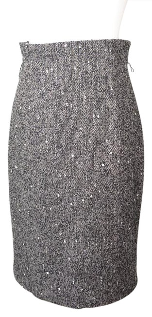 Preload https://img-static.tradesy.com/item/20823567/classique-entier-wool-blend-pencil-skirt-size-2-xs-26-0-1-650-650.jpg