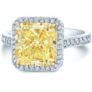 Other 5 1/3 CT TW YELLOW AND WHITE DIAMOND PLATINUM HALO ENGAGEMENT RING WITH GIA CERTIFICATION
