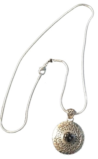 Preload https://item3.tradesy.com/images/na-new-snowflake-gemstone-pendant-necklace-in-sterling-silver-on-leather-cord-18-925-2082407-0-0.jpg?width=440&height=440
