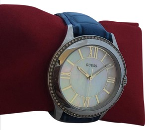 Guess 568843