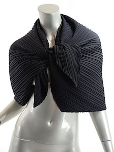 Issey Miyake ISSEY MIYAKE Black Polyester 'Open Book' Shape Scarf Wrap w/Tie - 22