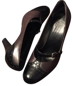 Joan & David Classic Buckle Black/Taupe Pumps