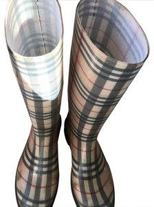 Burberry rain boots cream and black Boots