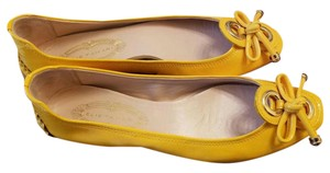 Elie Tahari Patent Leather Summer Summer Wear Yellow Flats