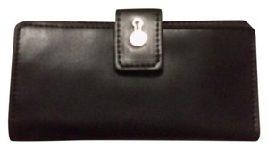 London Fog Leather Snap Closure White and Black Clutch