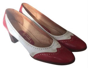 Pappagallo Pumps