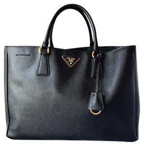 b1e0070ebcf5 Prada Lux Saffiano Large Nero- Black Leather Tote - Tradesy