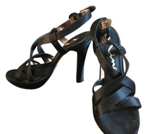 Nina Shoes Black Platforms