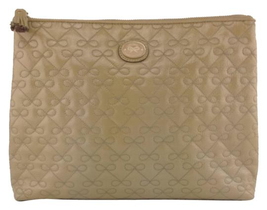 Preload https://item3.tradesy.com/images/anya-hindmarch-clutch-tan-2082947-0-0.jpg?width=440&height=440