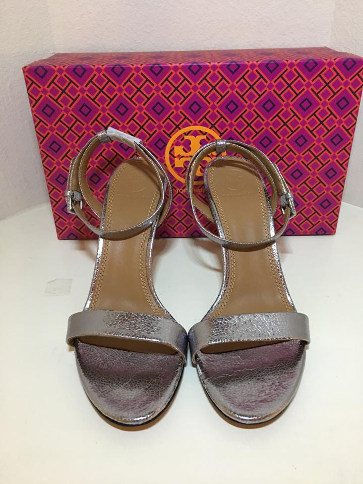9cae911b6bf3 Tory Burch Pewter Elana Metallic Sandals Size US 7 Regular (M
