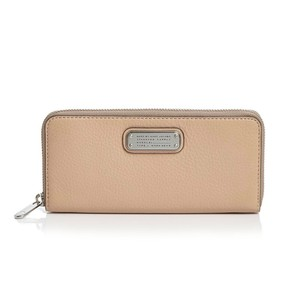 Marc by Marc Jacobs NWT new Q slim zip around wallet