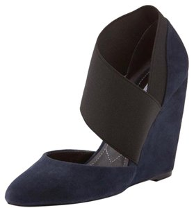 Charles David Navy/Black Wedges
