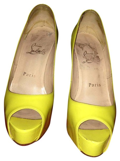 Item - Yellow Hyper Prive Platforms Size US 5 Narrow (Aa, N)