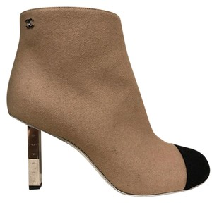 Chanel Camel Wool Pump Zipper beige Boots