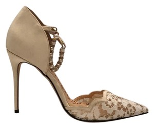 Marchesa Pearl Ivory white lace Pumps