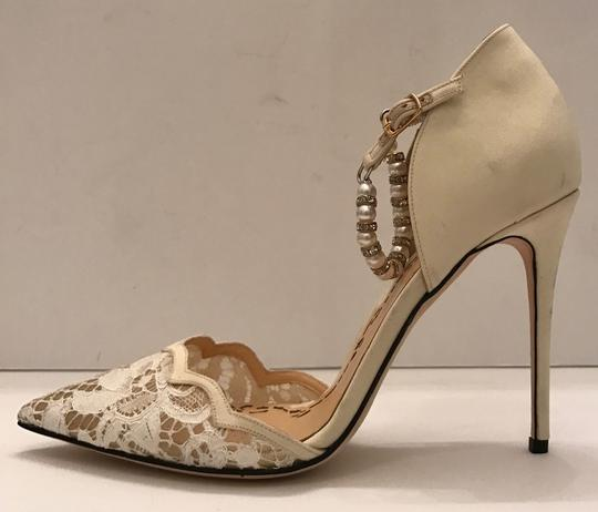 Marchesa Pearl Ivory white lace Pumps Image 1