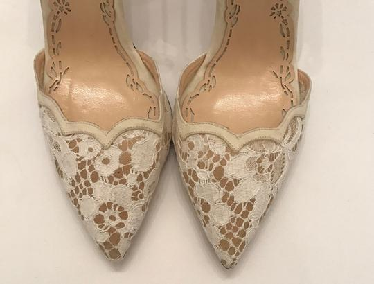 Marchesa Pearl Ivory white lace Pumps Image 3