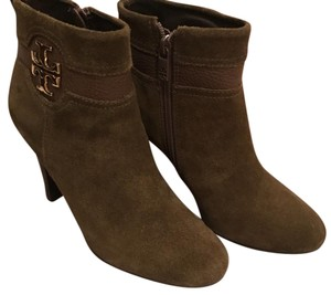 Tory Burch Olive green. Boots