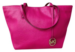 Michael Kors Leather Izzy Tote in Pink
