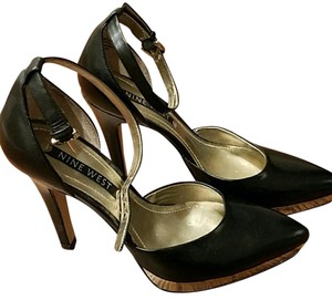 Nine West Black and gold Platforms