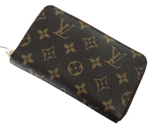 Louis Vuitton zippy compact old style