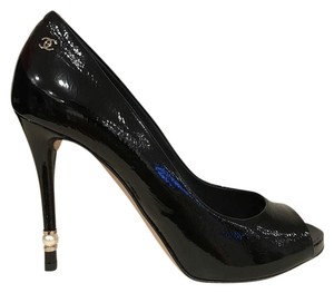Chanel Patent Leather Classic Open Toe Peep Toe black Pumps