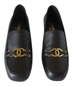 Chanel Mocassins Classic Loafers Cc Logo Chain Detail Black Flats