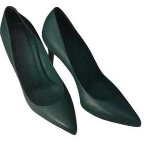 Gucci Leather Pointed Toe Deep Cobalt Pumps