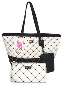 Betsey Johnson Wallet Quilted Diamonds Tote in BLACK/BONE