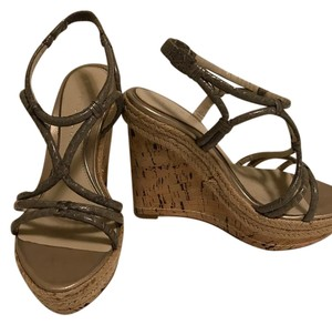 Elie Tahari Gray/ sand Wedges