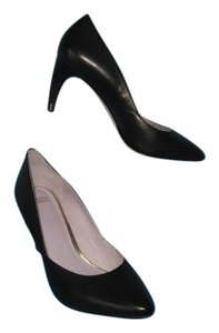 Johnston & Murphy Leather Classic & Black Pumps