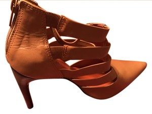 Andiamo Orange Pumps