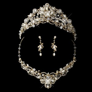 Elegance By Carbonneau Gold Freshwater Pearl Swarovski Bead And Crystal Tiara & Jewelry Set