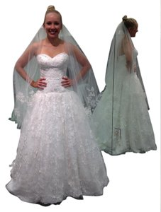 Oleg Cassini Soft White Lace Tulle with Lace Appliques Sweetheart Strapless Ball Gown Vintage Wedding Dress Size 4 (S)