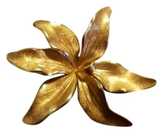 Tiffany & Co. Tiffany 14 K Gold Huge Flower Pin Brooch