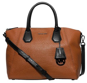 Michael Kors Michael Campbell Large Leather 889154516014 Satchel in Walnut / Black