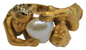 Carrera y Carrera Carrera y Carrera 18K Yellow Gold Cherub Ring with Cultured Pearl
