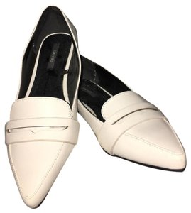 Forever 21 Loafers Mules Vintage Faux Leather white Flats