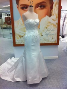 Alfred Angelo Alfred Angelo Mermaid Style Gown Wedding Dress