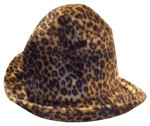Other leopard hat