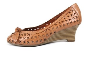 What's What Tan Wedges