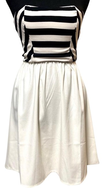 Item - Chic Mini Strapless Short Casual Dress Size 4 (S)
